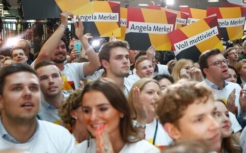 На выборах в Германии начинается подсчет голосов.
