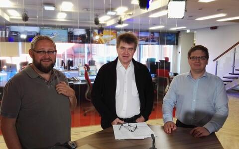 Anvar Samost, Juhan Kivirähk ja Urmet Kook stuudios