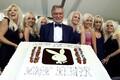 Hugh Hefner oma 75. sünnipäeval 2001. aastal.