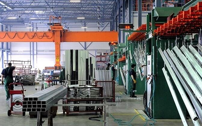 Две трети продукции обрабатывающей промышленности идут на экспорт.