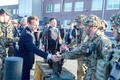 Ратас, Мэй и Макрон посетили военный городок в Тапа