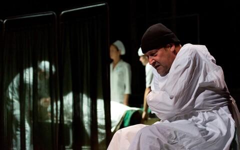 Üllar Saaremäe Rakvere teatri lavastuses