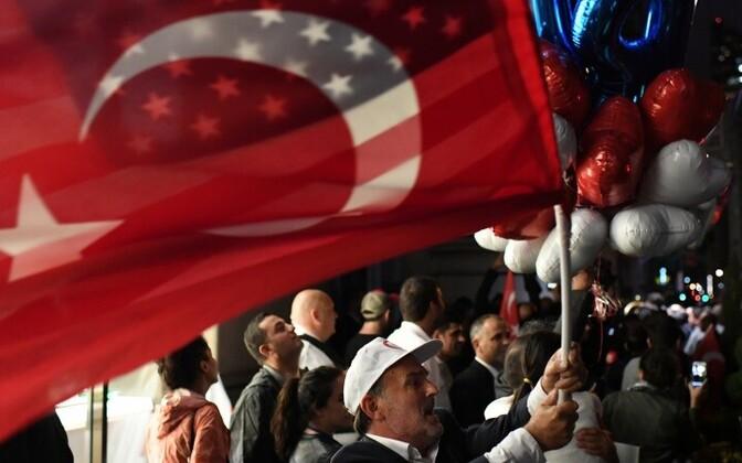 США и Турция взаимно отменили выдачу неиммиграционных виз.