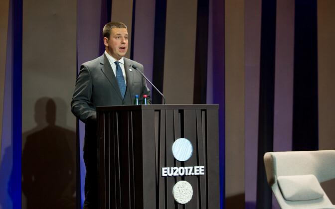 Prime Minister Jüri Ratas (Center) speaking at the opening of the conference on Monday. Oct. 9, 2017.