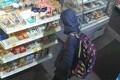 Лаура в магазине в терминале