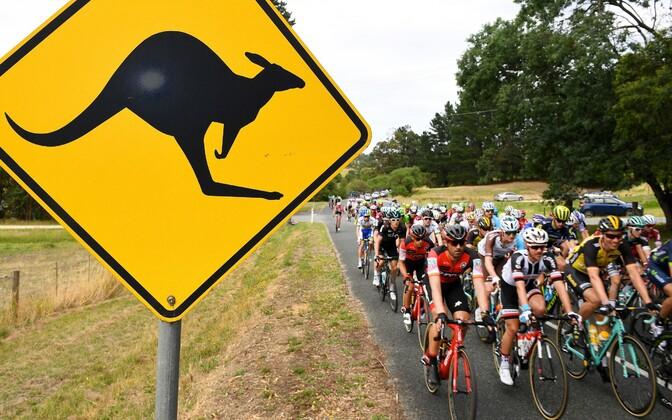 Jalgratturid Austraalias võistlemas.