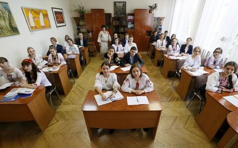 Õpilased Kiievi humanitaarlütseumis.