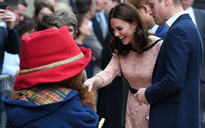 Hertsoginna Catherine ja prints William kohtusid Paddingtoni karuga