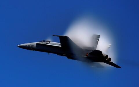 Hispaania õhuväe hävituslennuk F-18, arhiivifoto.