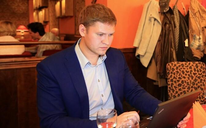 Artjom Suvorov Keskerakonna valimispeol Tartus