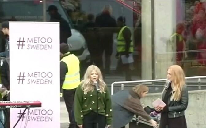 Rootsis peeti mitmes linnas meeleavaldusi naiste seksuaalse ahistamise vastu.