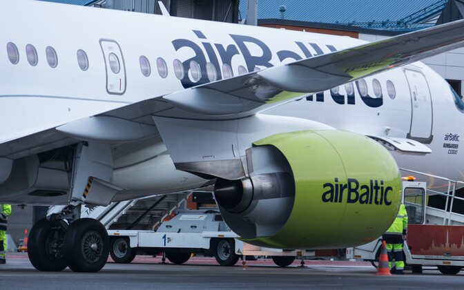 Самолет Air Baltic.