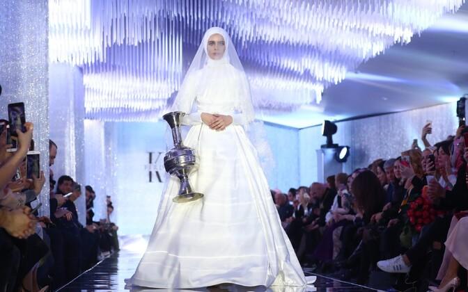 Ramzan Kadõrovi tütar esitles Moskvas uut moekollektsiooni.