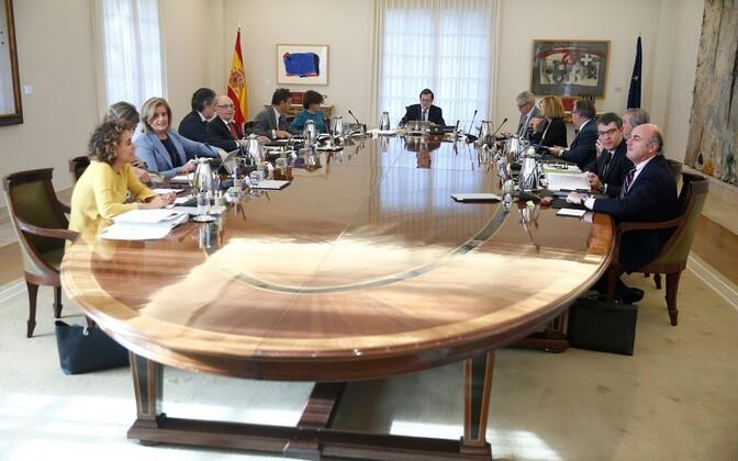 Премьер-министр Испании Мариано Рахой собрал кабинет министров.