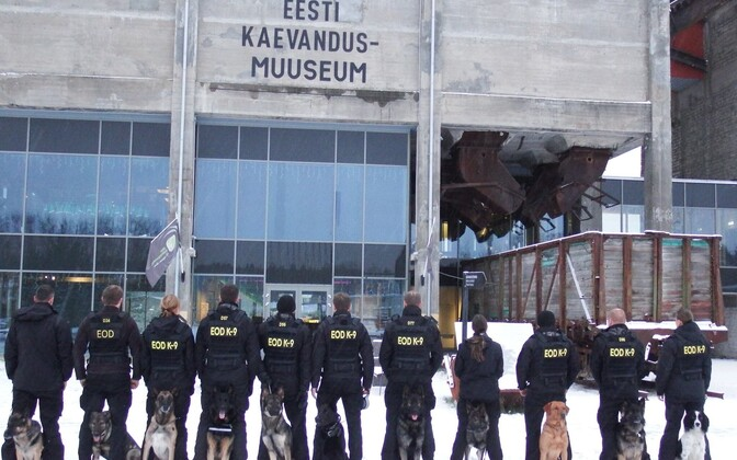 Police officers and dogs at the Estonian Mining Museum.