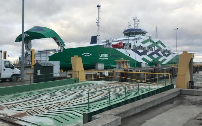 The broken-down Leiger stuck in Rohuküla port on Monday morning. Oct. 30, 2017.