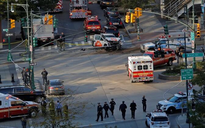 Водитель грузовика в нью-йоркском районе Манхэттен совершил наезд на пешеходов