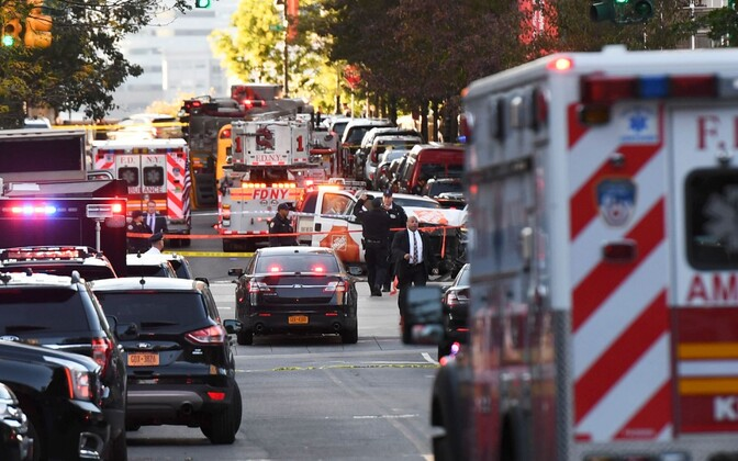 Водитель грузовика в нью-йоркском районе Манхэттен совершил наезд на пешеходов.