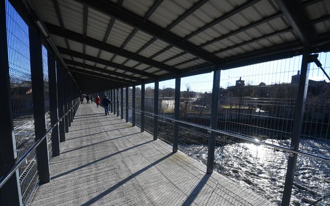 Jalakäijatele äsja avatud Narva ja Ivangorodi (Parussinka) piiripunkt.