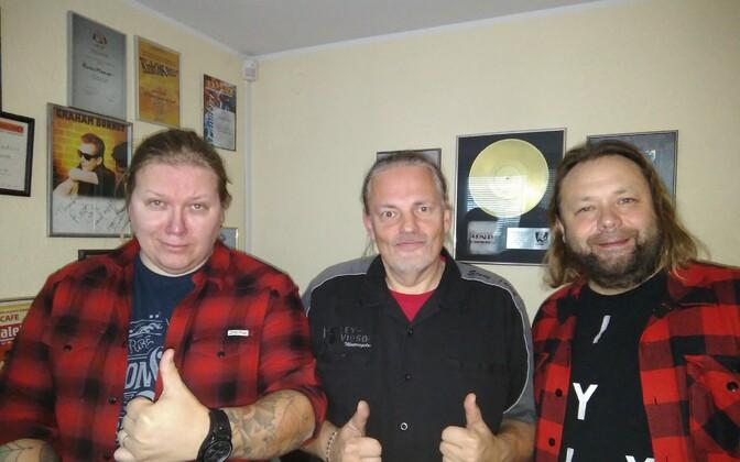 Radio Mania üks eestvedaja Margus Pilt (keskel) koos Danel Pandre ja Martin Saaremägiga.