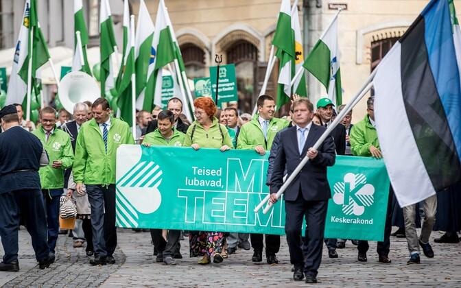 Rohelisse rüütatud keskerakondlased septembris pärast volikogu.