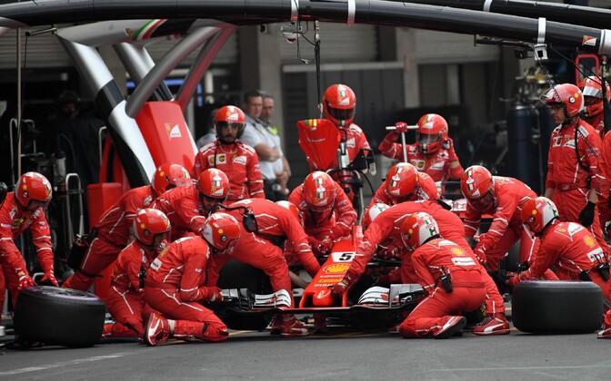 Ferrari piloodi Sebastian Vetteli boksipeatus Mehhiko GP-l