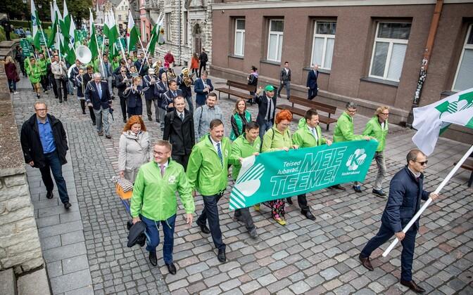 Keskerakonna rongkäik Tallinnas 2017. aasta kohalike valimiste eel.
