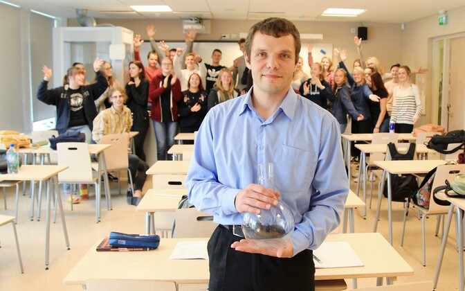 2017 High School Teacher of the Year nominee Aleksandr Kirpu with his students at Tartu Tamme High School.