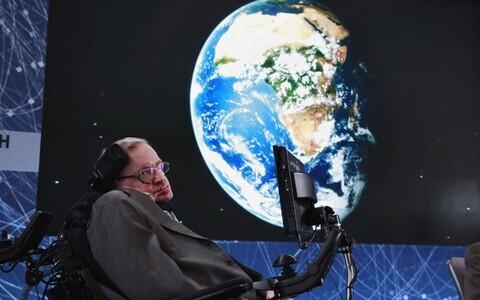 Stephen Hawkingi sõnul võib tehisintellekti näol olla tegemist kõige halvema asjaga, mis inimkonda tabab.