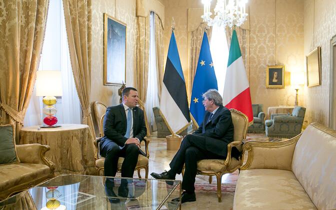 Prime Minister Jüri Ratas (Center) with Italian Prime Minister Paolo Gentiloni in Rome on Monday. Nov. 13, 2017.
