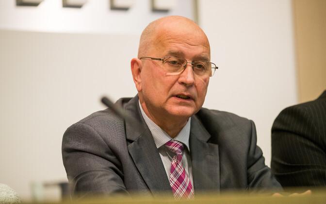 Tallinn deputy mayor Kalle Klandorf (Center).