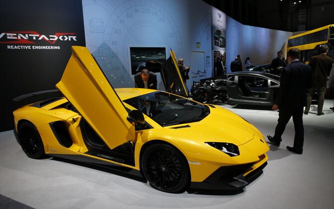 Lamborghini Aventador autonäitusel.