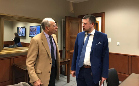Justice Minister Urmas Reinsalu (IRL, right) with the chairman of the Senate judiciary committee, Chuck Grassley, in Washington on Nov. 17, 2017.