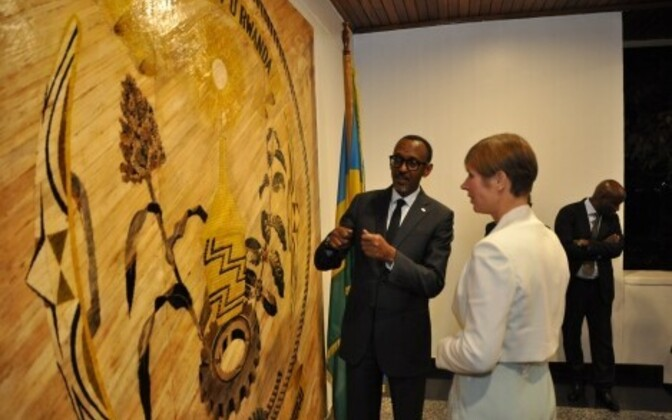 Kaljualid with Rwandan President Paul Kagame in Kigali, Nov. 16, 2017.