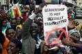 Laupäevane meeleavaldus president Robert Mugabe vastu.