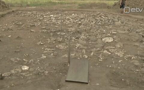 Kaevamised Maidla kalmeväljal.