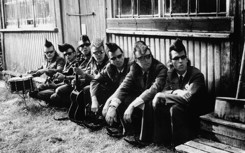 "Leningrad Cowboys muusikavideo ""Need saapad"""