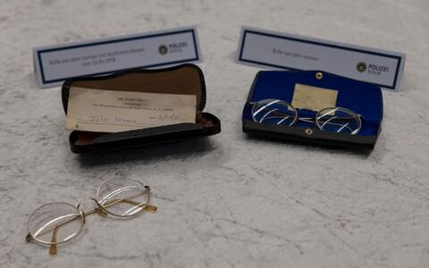 John Lennonile kuulunud esemed