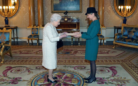 Estonian Ambassador Tiina Intelmann presented her credentials to Queen Elizabeth II on Wednesday. Nov. 22, 2017.