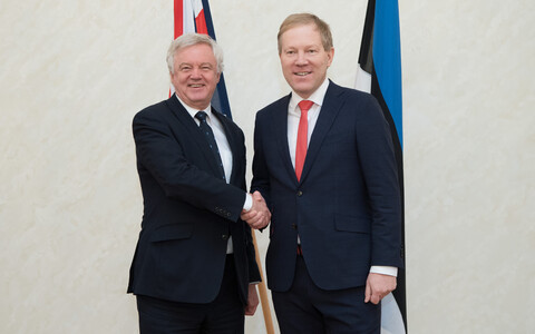 British Secretary of State for Exiting the European Union David Davis with Foreign Affairs Committee of the Riigikogu chairman Marko Mihkelson.