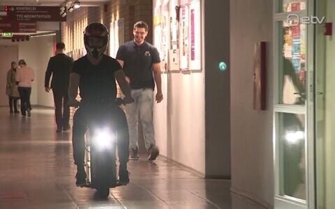 TTÜ tudengid ehitasid superkondensaatorite jõul sõitva ratta.