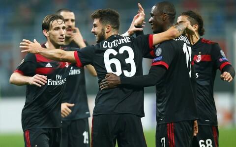 AC Milani mängijad rõõmustamas