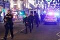 Politseinikud Oxford Streetil.