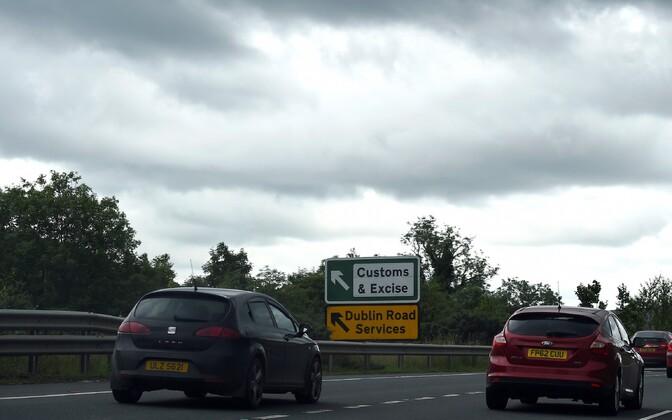 Maantee Newrys, Põhja-Iirimaa ja Iiri Vabariigi piiri lähistel.