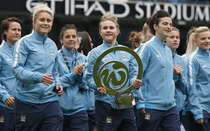 Manchester City jalgpallinaiskond