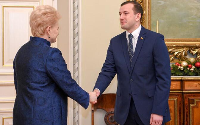 Leedu president Dalia Grybauskaitė ja uus majandusminister Virginijus Sinkevičius.