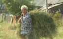 Vepslane heinasülemiga. Kurba asula, Leningradi oblast, 2010.