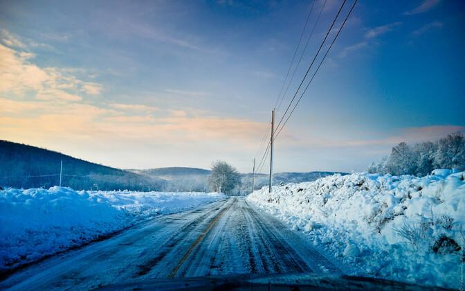 С1декабря подорогам Эстонии можно ездить только назимних шинах