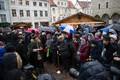 Первая свеча Адвента на Ратушной площади Таллинна
