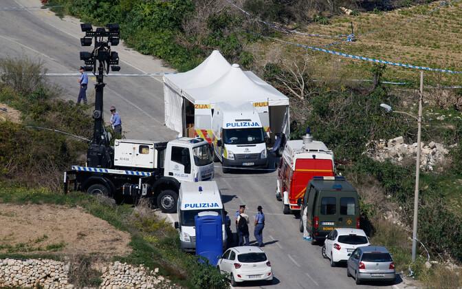 Politseinikud uurimas Daphne Caruana Galizia tapnud pommiplahvatust.